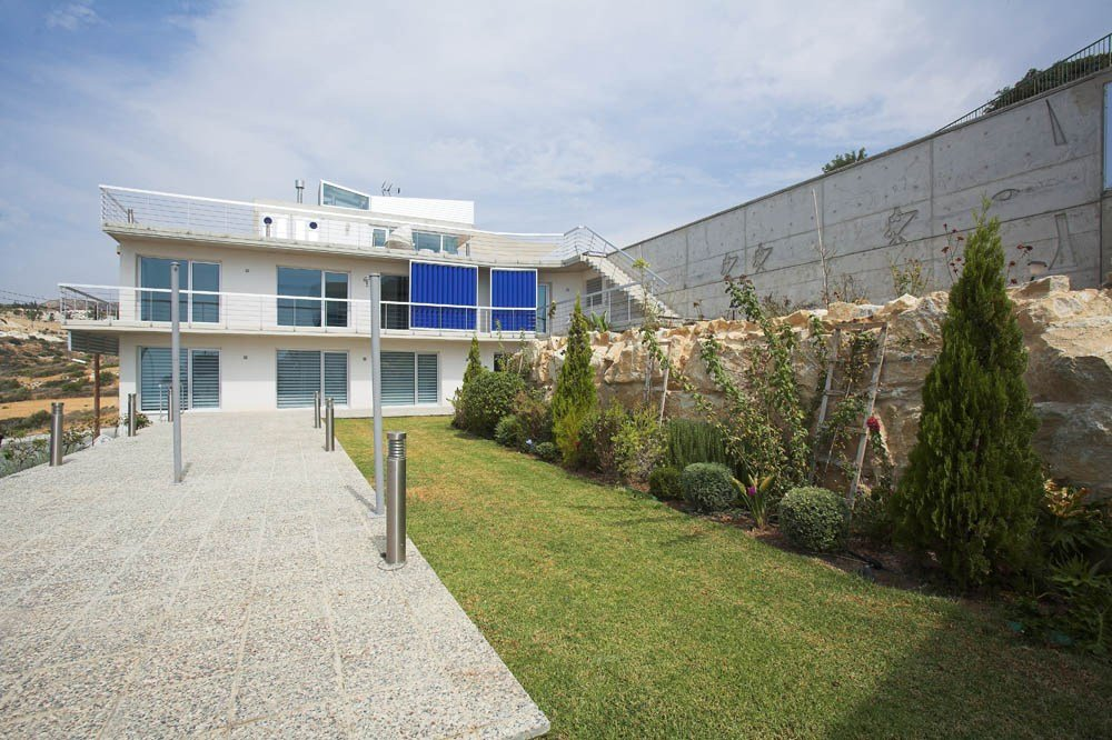 Praxis Designs Solar House 3.5